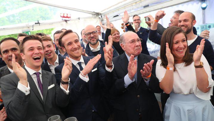 Landtagswahl in NRW: CDU triumphiert, SPD stürzt ab
