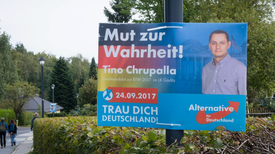 Wahlkampfplakat des AfD-Politikers Tino Chrupalla