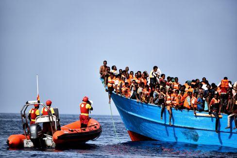 Hilfsaktion für Flüchtlinge vor der libyschen Küste