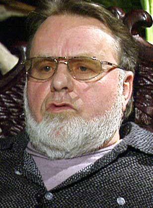 NPD-Mitbegründer Wolfgang Frenz war ebenfalls über Jahre hinweg V-Mann, wie durch das NPD-Verbotsverfahren bekannt wurde