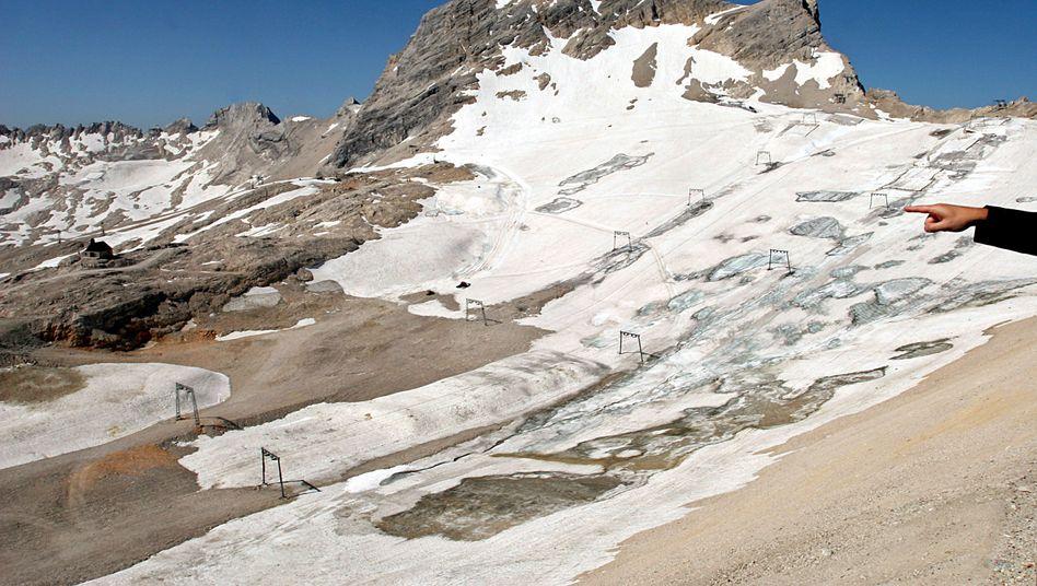 Blick von der Zugspitze: Bayerischer Gletscherbericht warnt vor massiver Schmelze