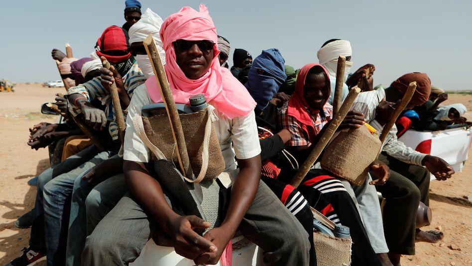 Agadez in Niger: Migranten bereiten sich darauf vor, die Wüste zu durchqueren
