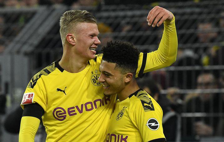 Erling Håland (l.) und Jadon Sancho treffen derzeit regelmäßig für Borussia Dortmund