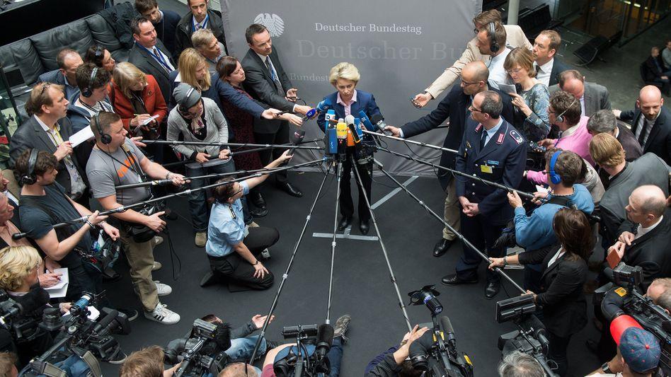 Verteidigungsministerin von der Leyen: Kein glücklicher Vorgang