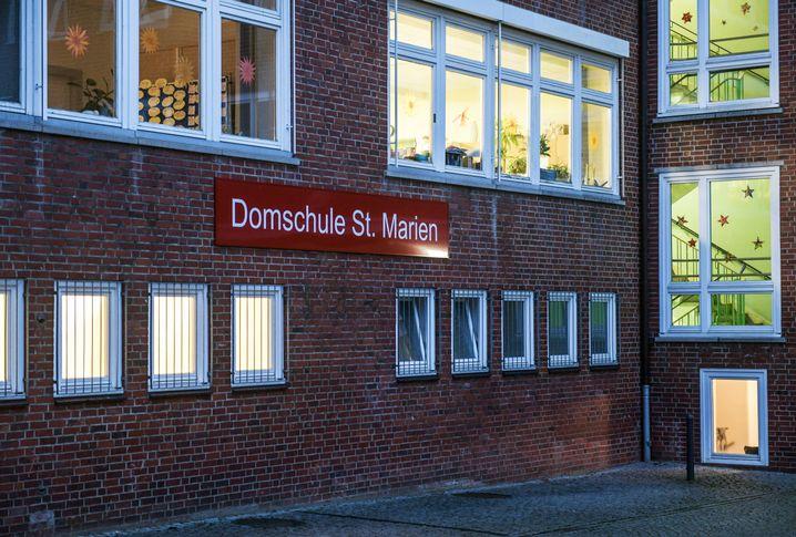 Domschule St. Marien: von der Schließung bedroht