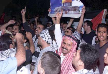 Demonstrationen gegen Israel: Doch im Land wächst auch der Protest gegen das Königshaus