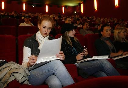 Vorlesung im Kino: Die Uni-Säle reichten einfach nicht aus