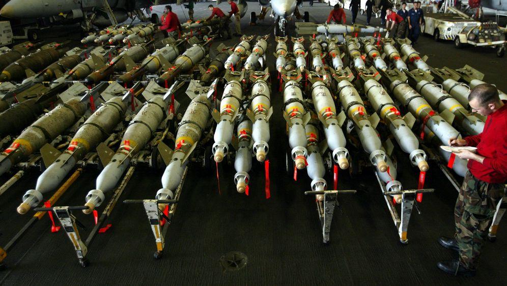 Internationale Rüstung: Die größten Waffenschmieden und ihre Kunden