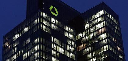 Dresdner Bank in Frankfurt: 13 Millionen für kurzfristig fällig Leistungen