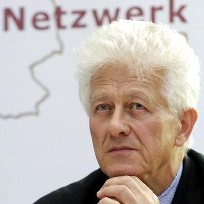 Social Democrat Karsten Voigt is the German government's coordinator for German-US relations.