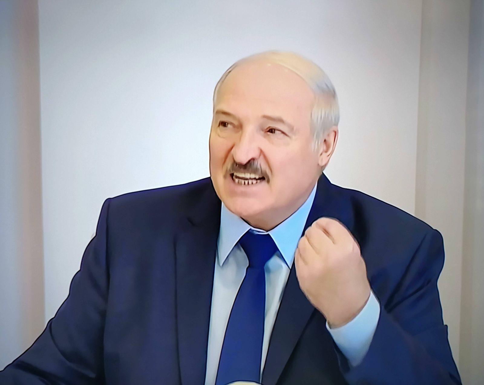 Belarus, Fernsehbilder von Alexander Lukaschenko President of Belarus Alexander Lukashenko. Photos from the TV screen 08