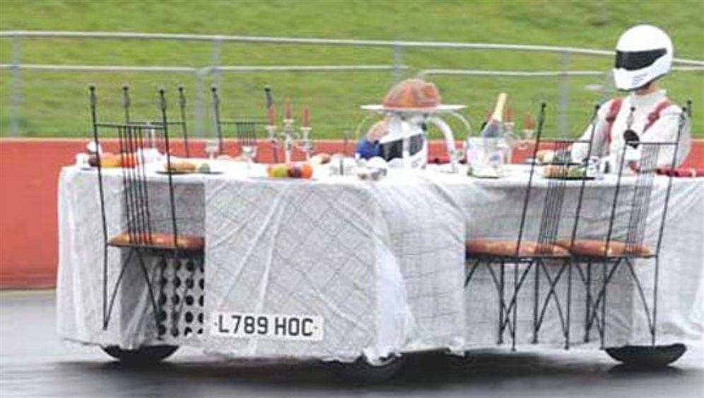 Das schnellste Möbel der Welt: Rasender Esstisch und flottes Sofa
