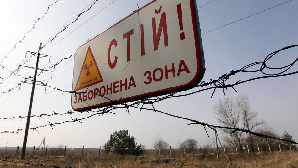 Radioaktivitätswarnschild nahe Tschernobyl: Kämpfe gefährden AKWs
