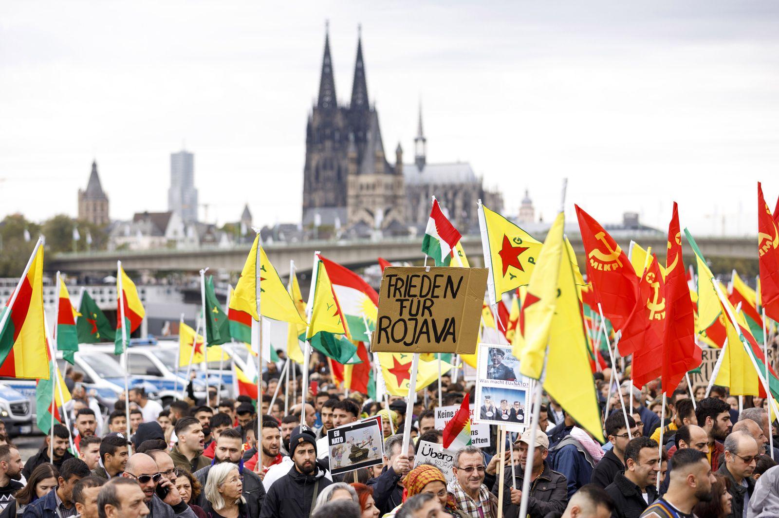 EINMALIGE VERWENDUNG Kurden-Proteste/ Köln