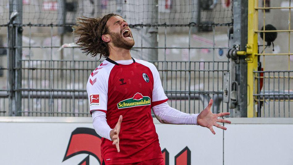 Erst schoss er ein Abseitstor, dann vergab er freistehend: Es war nicht das glücklichste Spiel für Freiburgs Lucas Höler