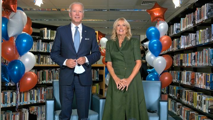 Präsidentschaftskandidat Joe Biden, Ehefrau Jill: Überraschung im Partykeller
