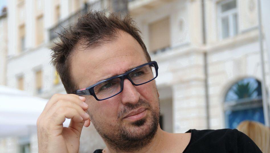 Jeton Neziraj: Chef des Literaturfestivals Polip im Kosovo