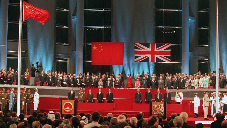 Übergabezeremonie im Hongkonger Kongresszentrum