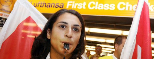 Lufthansa-Mitarbeiterin beim Streik: Ver.di hat in den vergangenen Jahren nirgendwo so viel Macht verloren wie in der Luftfahrt