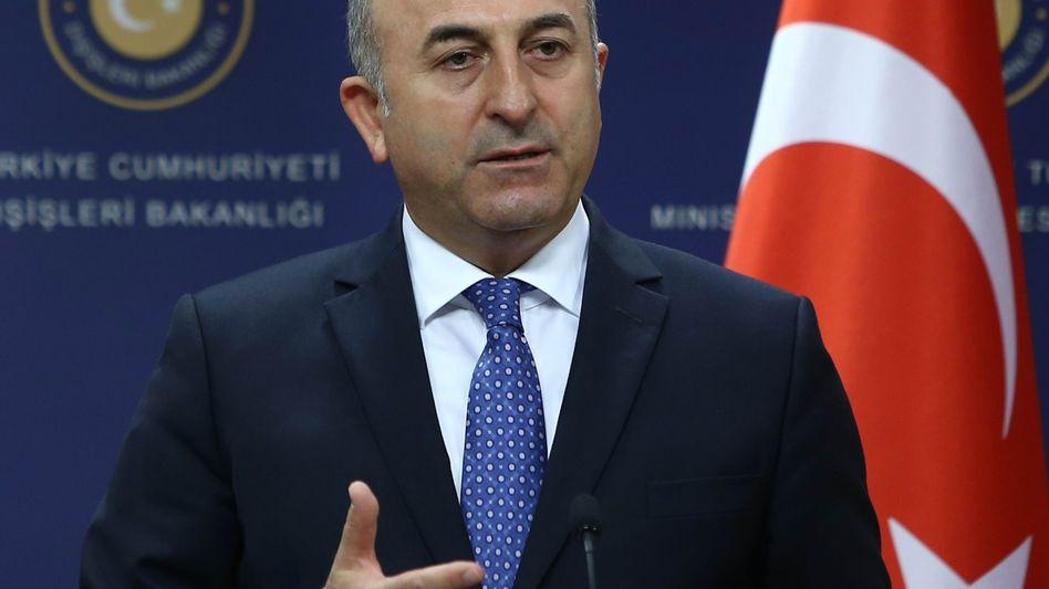 Außenminister Mevlut Cavusoglu beruft Botschafter ab