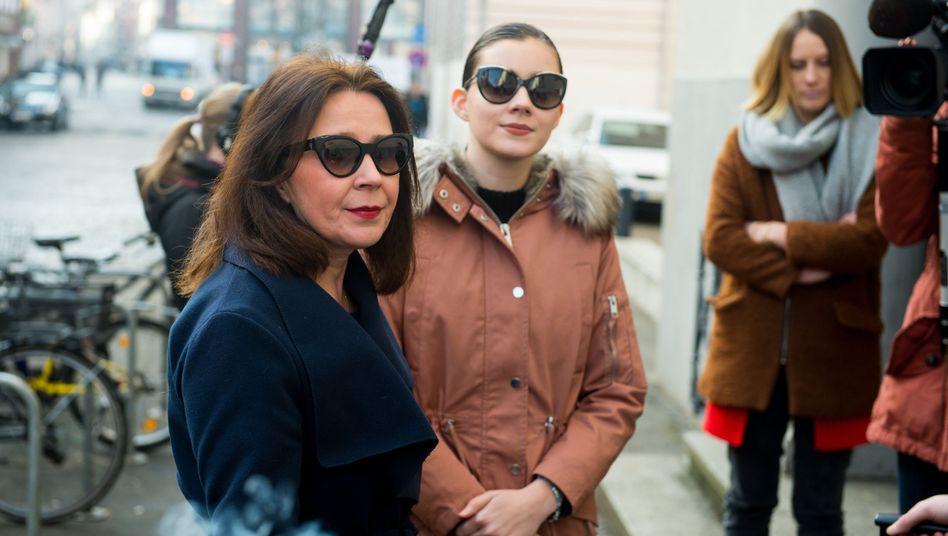 Viktorija Volk (l.) mit ihrer Tochter Nathalie (März 2018)