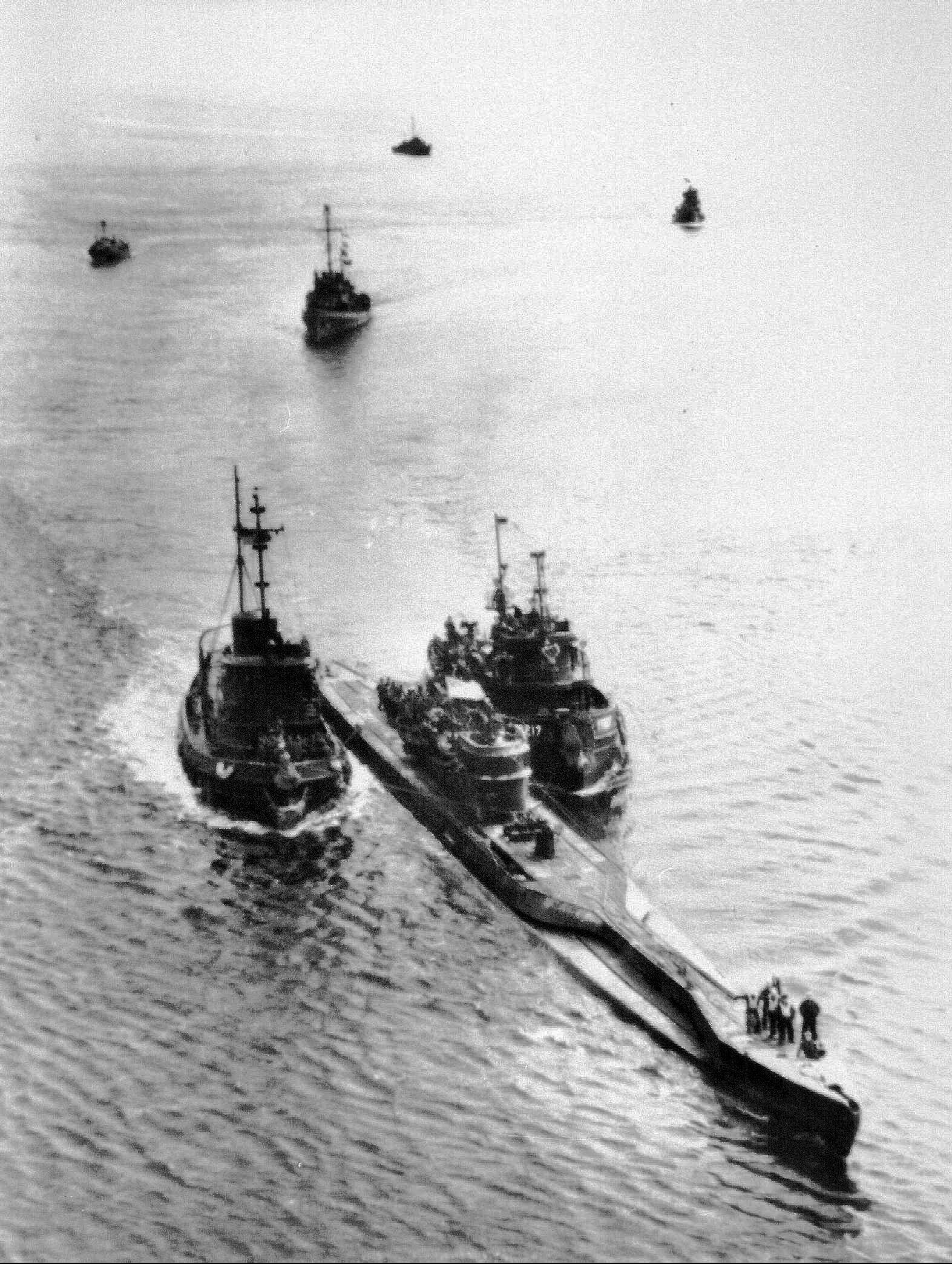 GERMAN SUB-U-234 ESCORTED IN TO PORTSMOUTH HARBOR