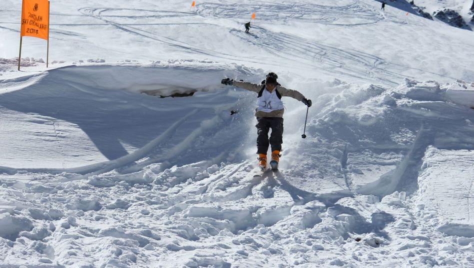 "Abgefahren: Die ""Afghan Ski Challenge"" im Koh-e-Baba-Gebirge"