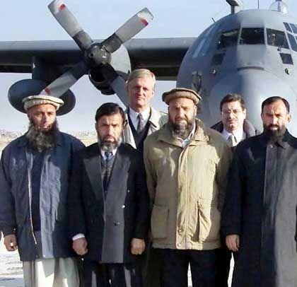 Nordallianz-Delegation mit bundesdeutschem Afghanistan-Beauftragten Hans-Joachim Daerr (3.v.l.)