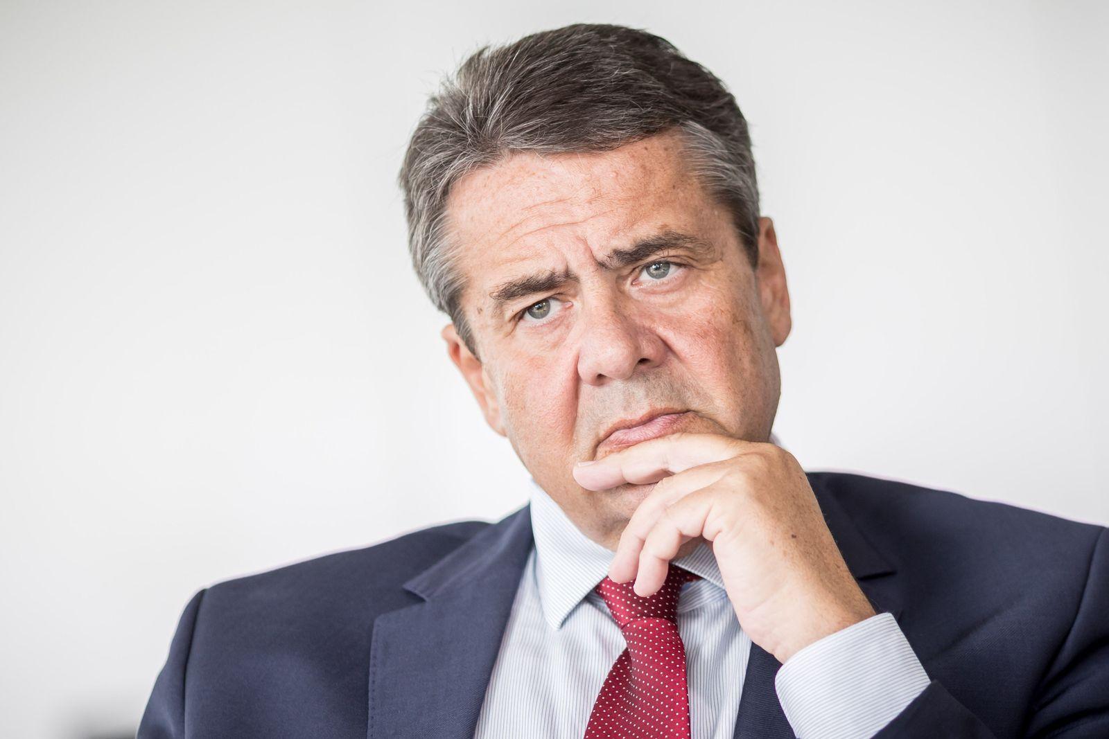Außenminister Gabriel Akhanli