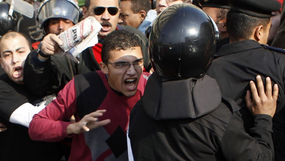 Krawalle in Kairo: Tausende Ägypter marschieren gegen Mubarak