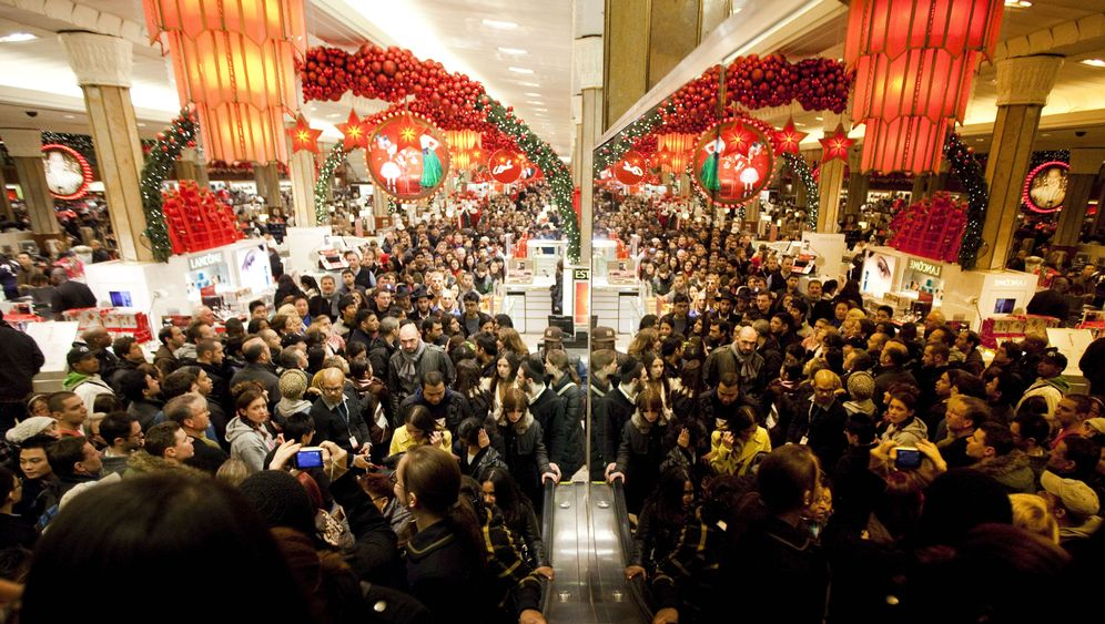 Black Friday 2011: Schnäppchenjagd als Gemeinschaftserlebnis