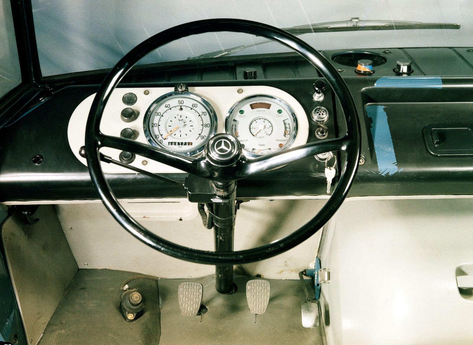 Mercedes-Benz L 406