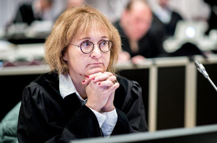 """Oberstaatsanwältin Daniela Schiereck-Bohlmann: """"Allein die Aussage 'Größter Serienmörder der Geschichte' reicht nicht aus, ihn zu verurteilen"""""""