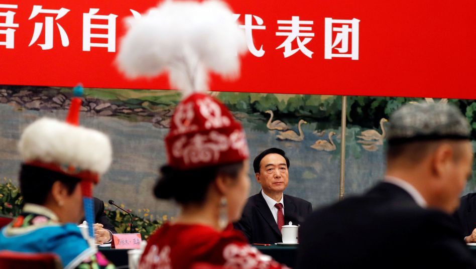 Chen Quanguo bei einem Kongress der KP in Peking: Chinas Mann für heikle Regionen