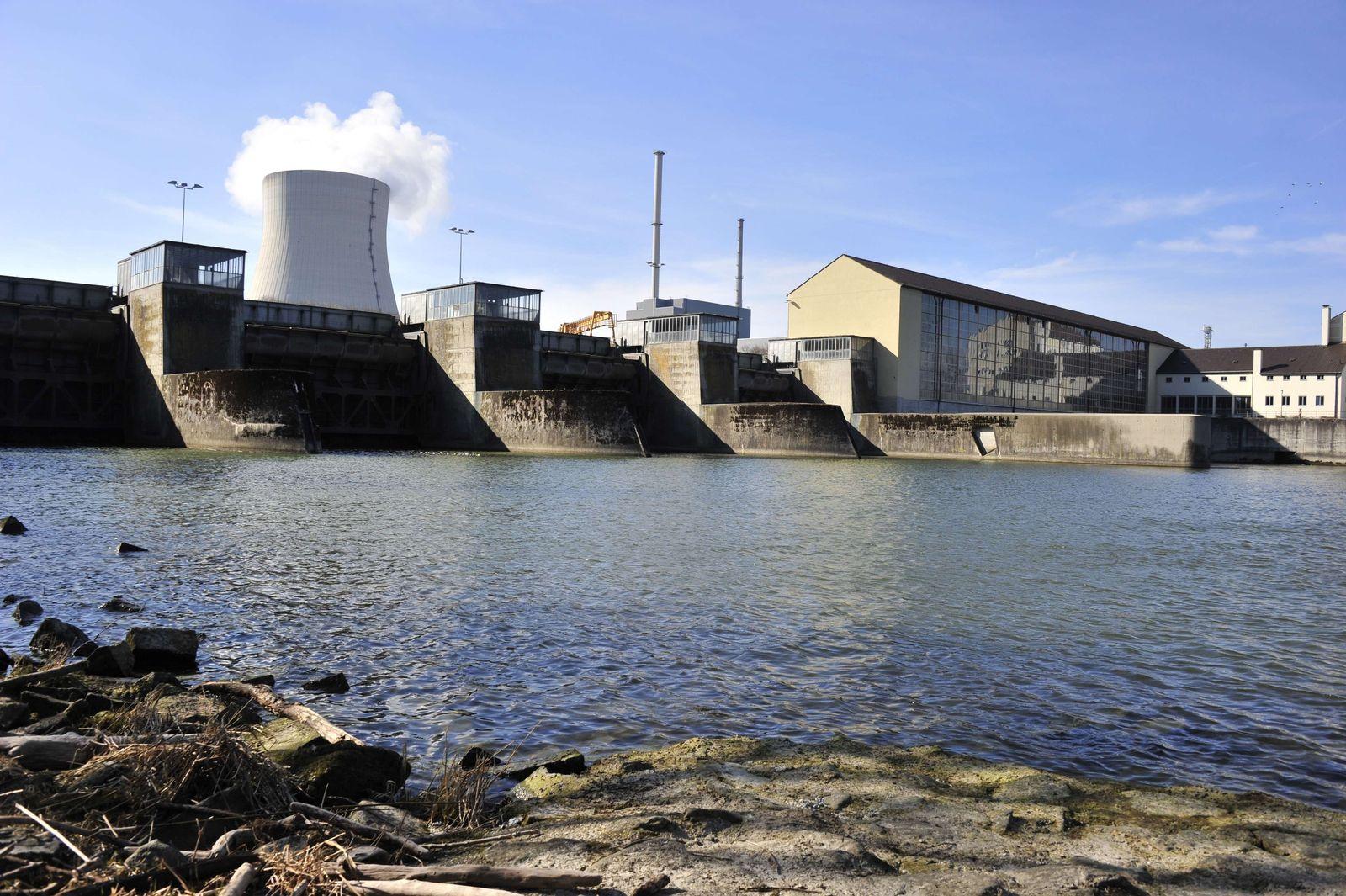 GERMANY-POLITICS-ENERGY-NUCLEAR-JAPAN-QUAKE-ISAR 1