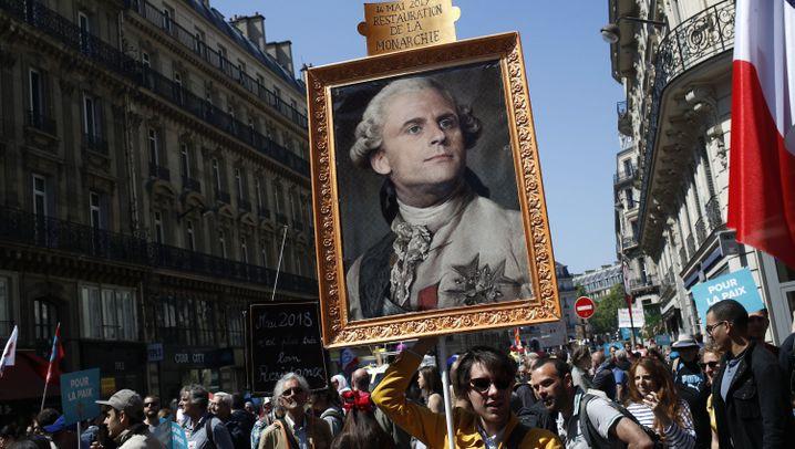 """Frankreich: """"14. Mai 2017, Wiederherstellung der Monarchie"""""""