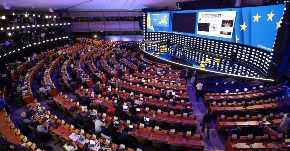 Ein Teil des Europaparlaments wurde am Wahlabend in ein riesiges TV-Studio verwandelt