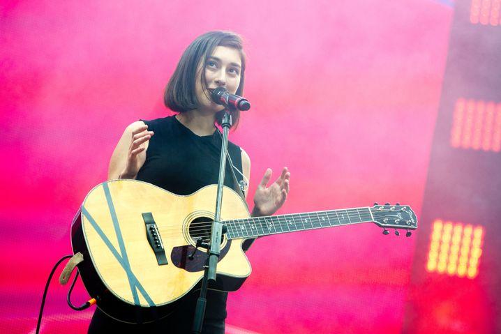 Musikerin Elif: Schon mit zwölf Jahren spielte sie auf der Gitarre Songs, hörte Nirvana und Linkin Park