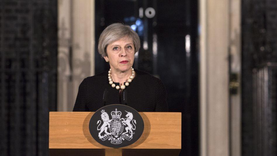 Theresa May vor Nr. 10 Downing Street