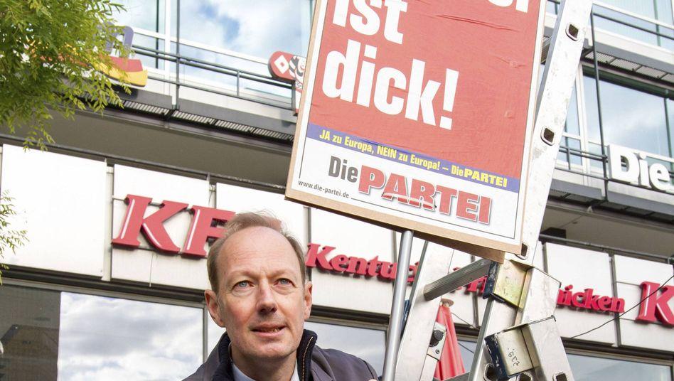 """Sonneborn im Wahlkampf: """"Gut bezahlter Urlaub in Brüssel"""""""