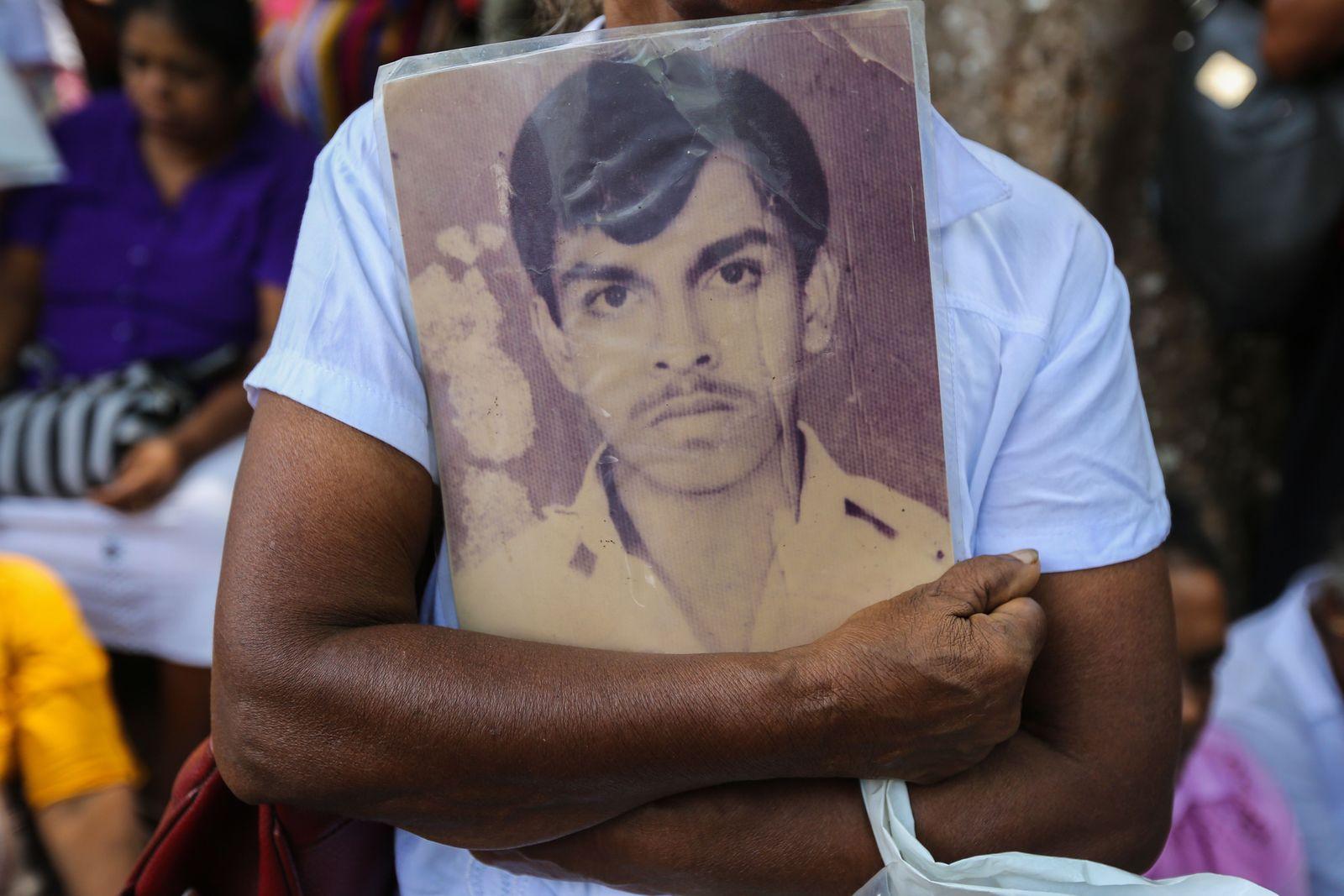 Valentine's Day in Sri Lanka, Colombo - 14 Feb 2020