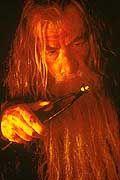 """Er gibt seine Inschrift nur im Schein des Feuers preis: Der """"eine"""" Ring"""