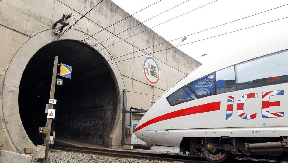 ICE-Zug in Nordfrankreich: Der Weg durch den Eurotunnel scheint frei