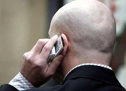 Handy-Benutzer: Verbot in Krankenhäusern offenbar überflüssig