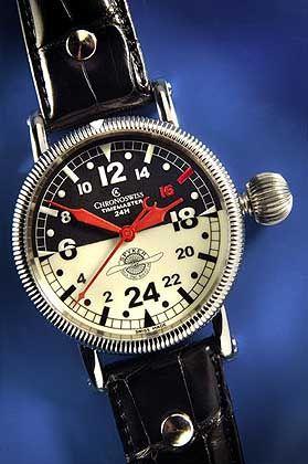 Spyker Uhr: Logo auf dem Zifferblatt, drunter ein Schweizer Werk
