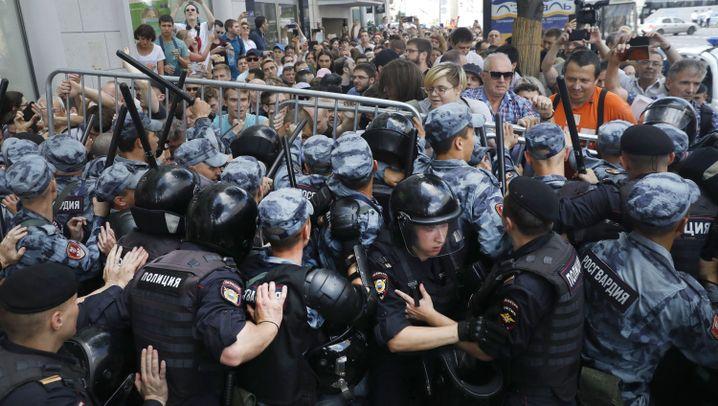 """Fotostrecke: Demonstration für ein """"Russland ohne Putin"""""""