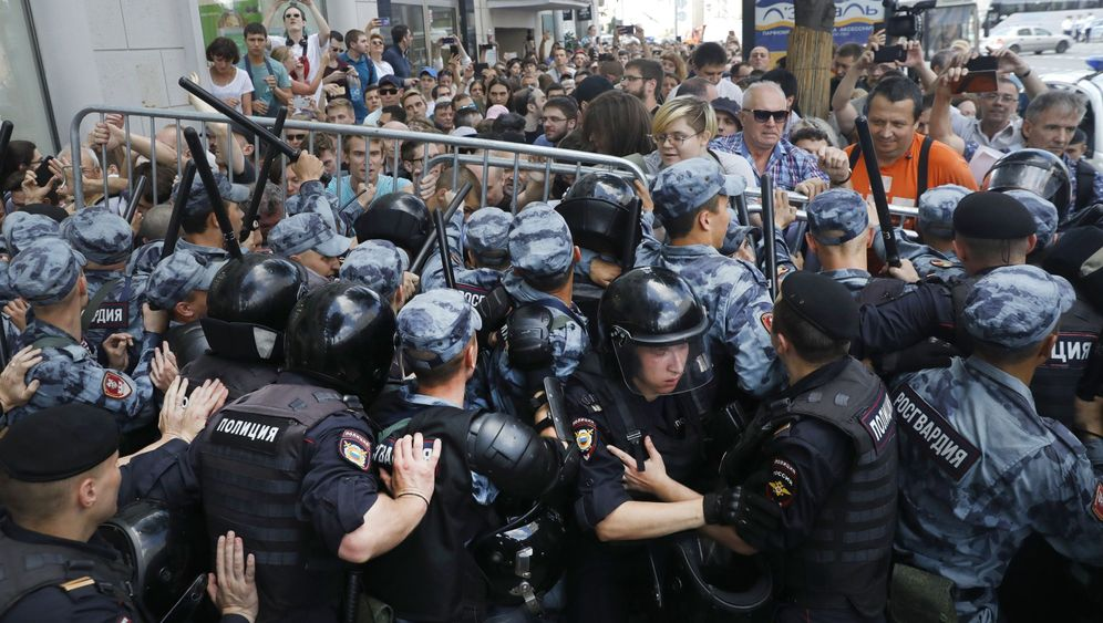 Fotostrecke: Tausende Festnahmen in Moskau