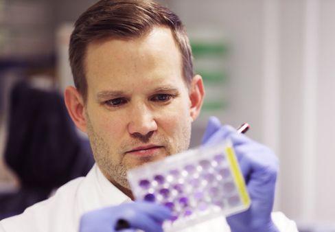 Hendrik Streeck, Virologe an der Uniklinik Bonn