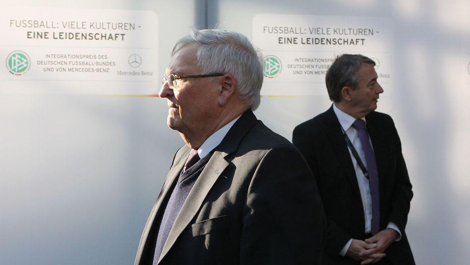 """Theo Zwanziger, Wolfgang Niersbach: """"So wie ich das sehe, lügt Niersbach"""""""