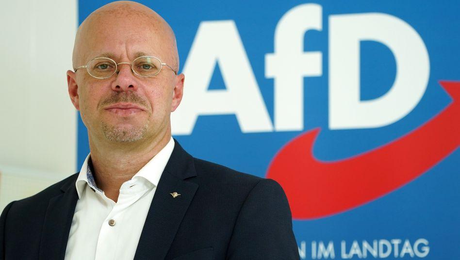 Andreas Kalbitz, irgendwie immer noch Mitglied der AfD